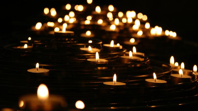 velas oração indulgência pedido Mike Labrum on Unsplash Bispos dos Estados Unidos asseguram ajuda espiritual e material ao Haiti