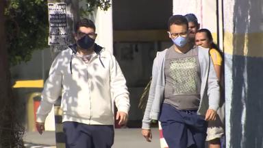 Uso correto da máscara contra o coronavírus ajuda a criar anticorpos