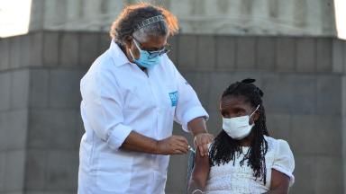 Rio, Amazonas e outros estados iniciam vacinação contra a Covid-19