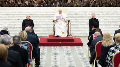 Aos Focolares, Papa pede evangelização com diálogo e abertura