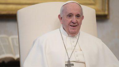 Santos lembram que santidade pode florescer em nossas vidas, diz Papa