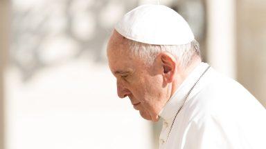Papa reza pelo padre Carlassare, missionário ferido em Rumbek