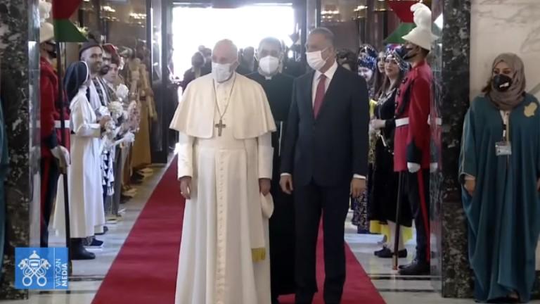 Papa chega ao Iraque