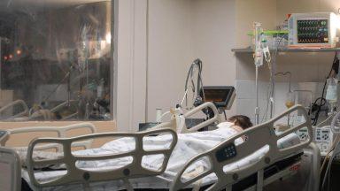 Covid-19: Brasil acumula 498,4 mil mortes e 17,8 milhões de infectados