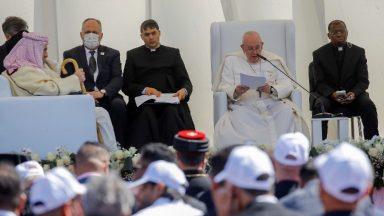 Papa em encontro inter-religioso: extremismo e violência traem a religião