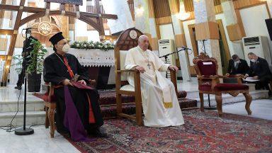 No Iraque, Papa pede união fraterna em mundo dilacerado pelas divisões