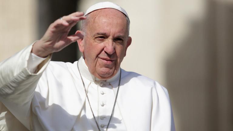 papa-francisco-acenando-sério_Lucia-Ballester_CNA.jpg