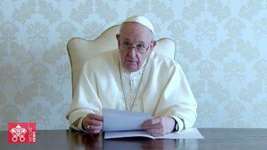 """Papa aos iraquianos: """"sou peregrino penitente, de paz e de esperança"""