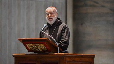 Na Paixão do Senhor, Cardeal Cantalamessa frisa o dom da fraternidade