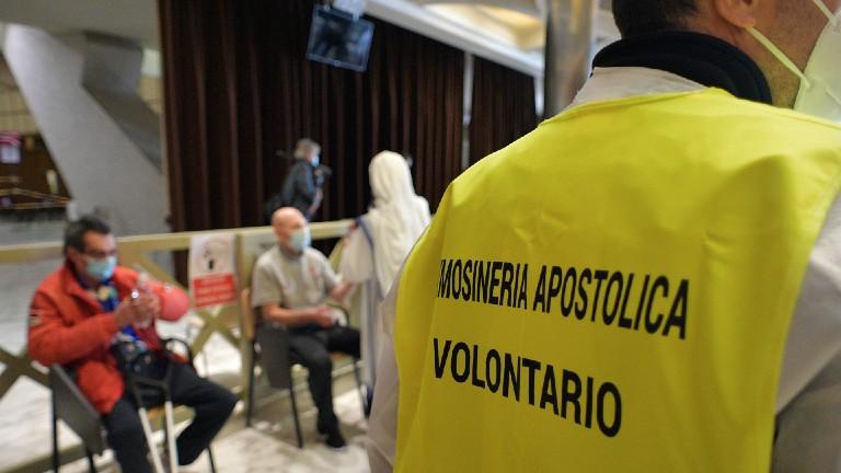 pessoas mais pobres vacinadas contra covid no Vaticano