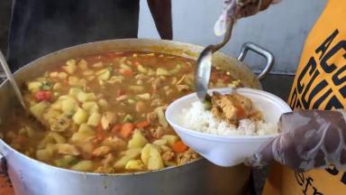 Serviço Franciscano de Solidariedade distribui refeições no centro do Rio