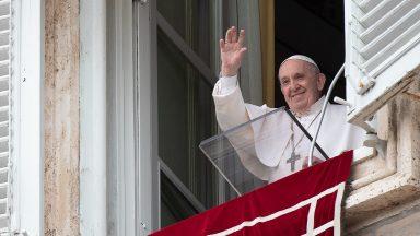Papa no Domingo da Santíssima Trindade: viver a unidade na diferença