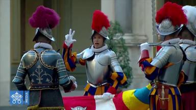Papa Francisco recebe os novos integrantes da Guarda Suíça