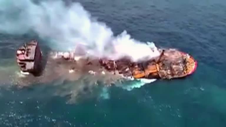 Acidente maritmo Sri Lanka Navio de carga afunda no Sri Lanka e causa grave desastre ambiental