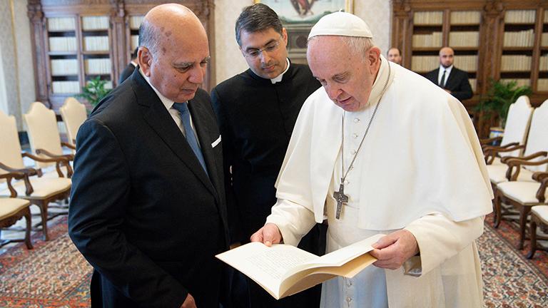 Papa Francisco Ministro Iraque Reuters Carta do Papa aos patriarcas do Oriente Médio: guardiães da fé