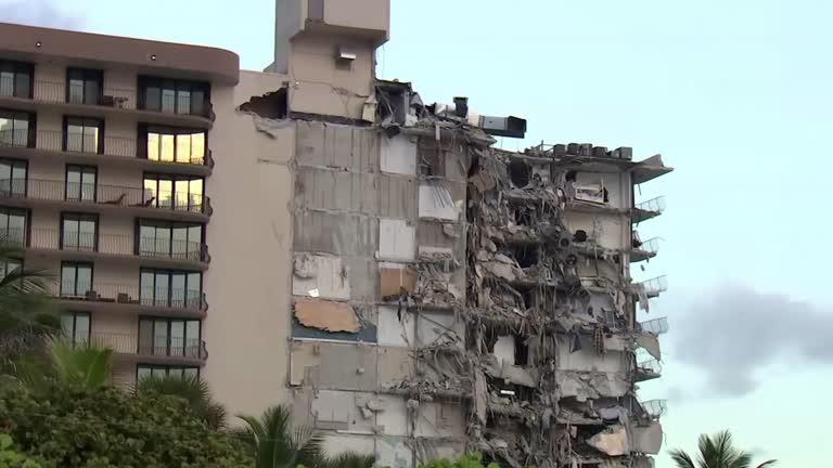 Predio Miami Reuters 01 Arquidiocese de Miami auxilia vítimas após desabamento de prédio