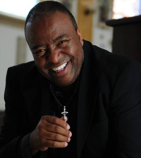 eugenio jorge reproducao instargram eugeniojorgeoficial Padre Zezinho completa 80 anos de vida a serviço da evangelização