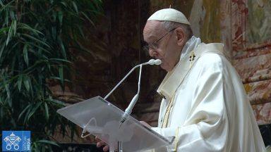 Corpus Christi: Igreja que acolhe e desperta a sede de Deus, pede Papa
