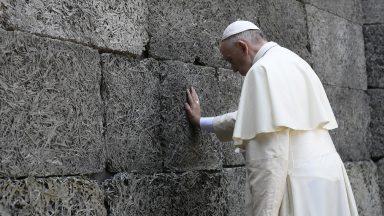 Há cinco anos, Papa em Auschwitz: