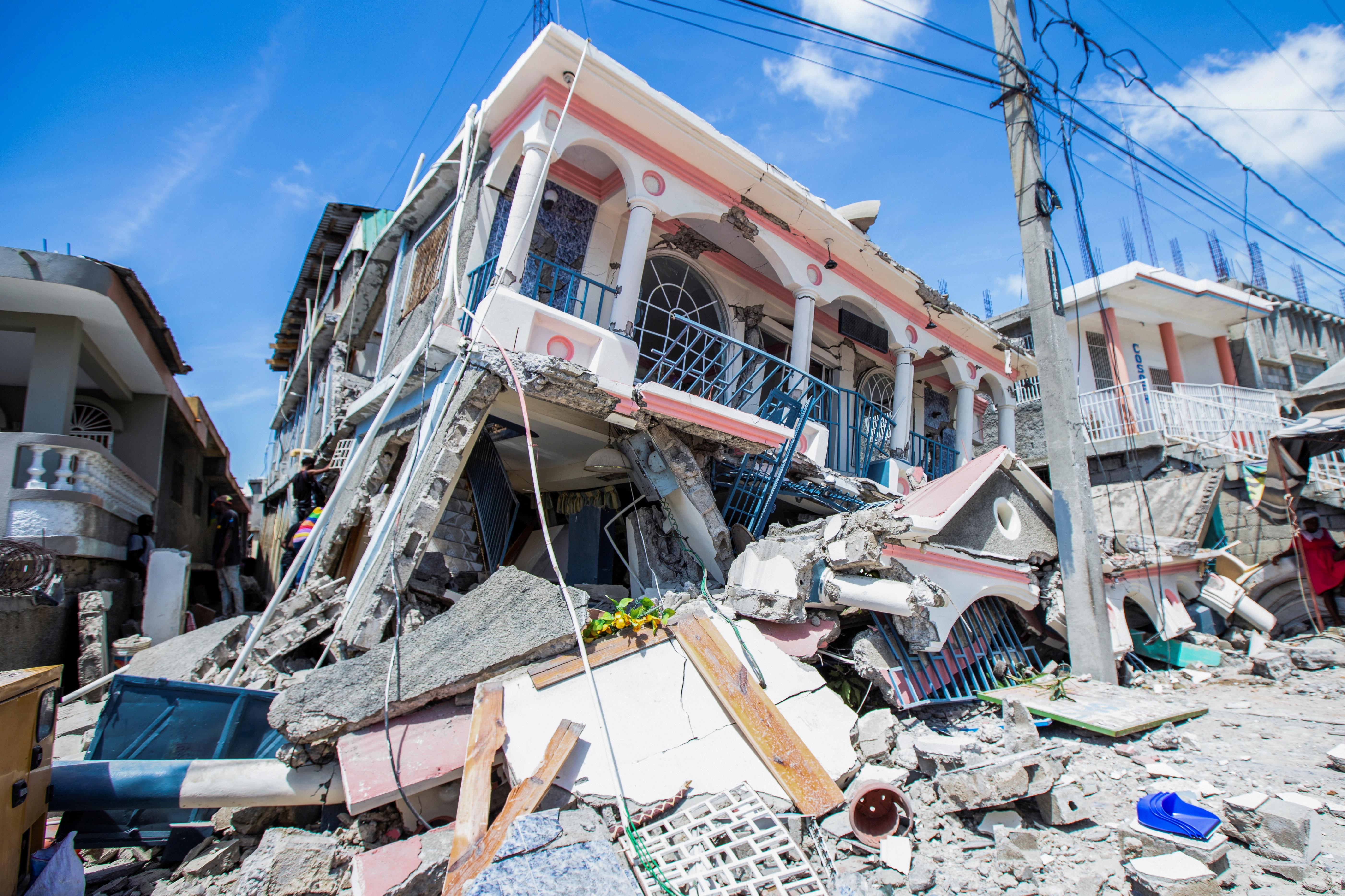 2021 08 15T020705Z 1173683348 RC2E5P9KWO4T RTRMADP 3 HAITI QUAKE Cáritas Brasileira emite nota de solidariedade ao Haiti
