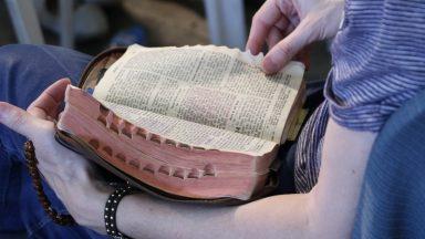 Live da diocese de Lorena apresenta programação para o Mês da Bíblia