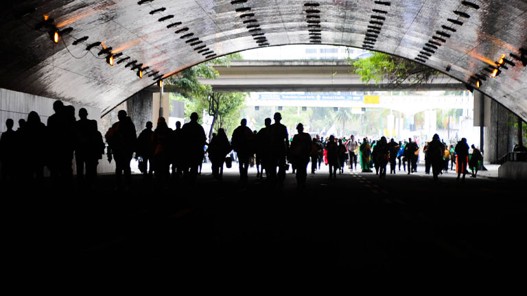 pessoas na rua população brasileira