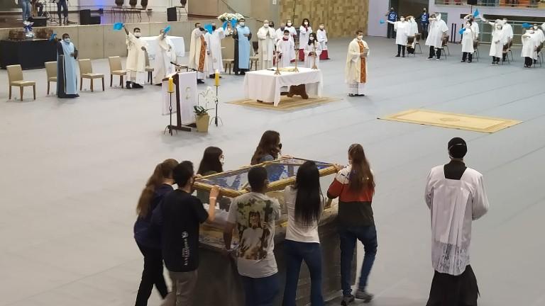 reliquia dom bosco Adailton Batista Canção Nova Relíquias de Dom Bosco são veneradas em Campinas (SP)