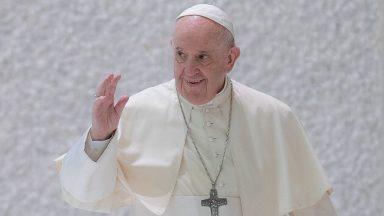 Em livro, especialistas definem Papa Francisco como pastor e teólogo