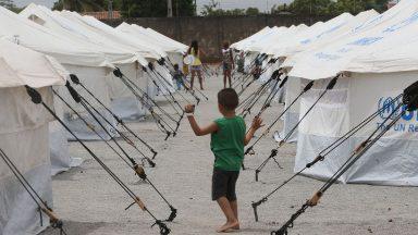 Migrante e refugiado: Papa insiste em uma