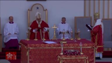 Papa participa de celebração com rito bizantino na Eslováquia