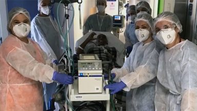 Após quatro meses internado, vítima da pandemia ganha novo pulmão