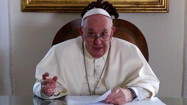 Frear a ganância humana que está nos levando ao abismo, pede Papa