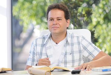 """""""Quando entregamos a Deus o que temos de mais precioso, Ele não destrói o que ofertamos, mas nos devolve multiplicado"""", afirma Márcio."""