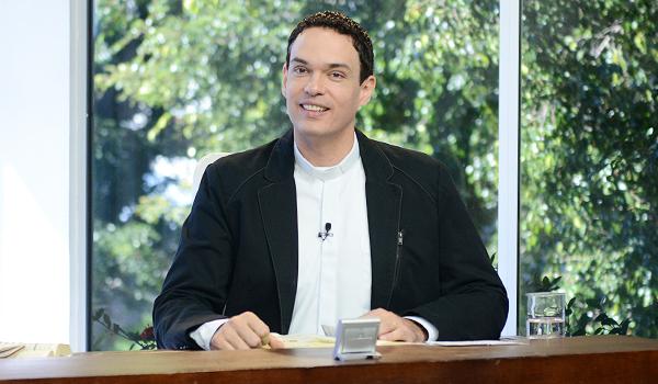 Padre Adriano Zandona_Sorrindo pra Vida