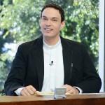 Padre Adriano Zandoná - Sorrindo pra Vida