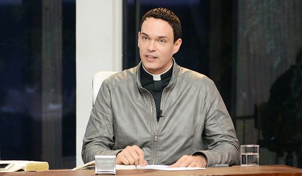 Padre Adriano_Sorrindo pra Vida