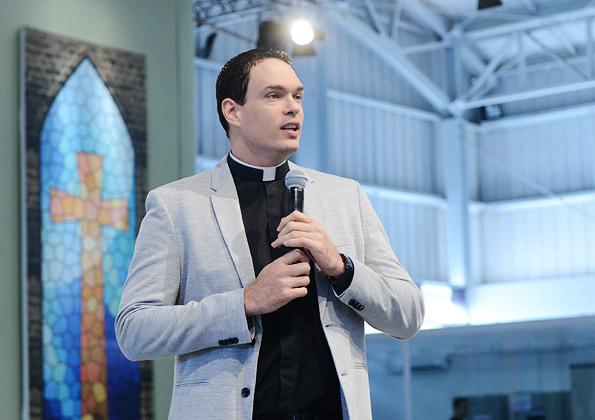 """""""''Deus chega ao nosso coração pelo caminho da simplicidade'' padre Adriano Zandoná / crédito da foto: Wesley Almeida"""