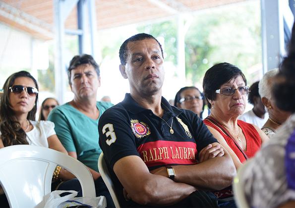Peregrinos participam de pregação durante amanhã de espiritualidade na CN. Crédito da fot: Daniel Mafra/cancaonova.com