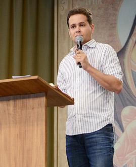 Márcio Mendes. Fotos: Daniel Mafra/ CançãoNova.