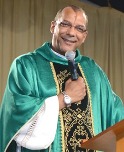 Padre Toninho / foto: Daniel Mafra