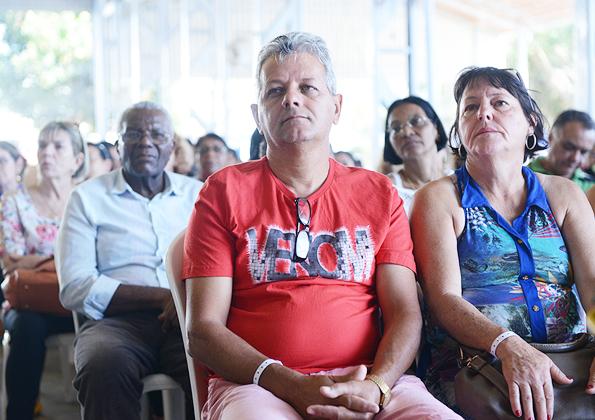 Fiéis ouvem atentamente pregação da Palavra. Fotos: Daniel Mafra/CançãoNova