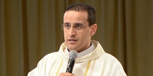 Padre Anderson Marçal. Foto: Daniel Mafra/ cancaonova.com