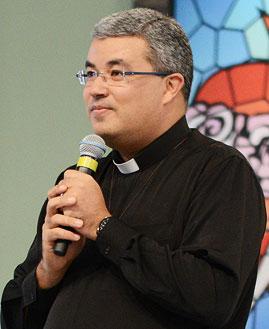 Pregação Padre Roger Luis