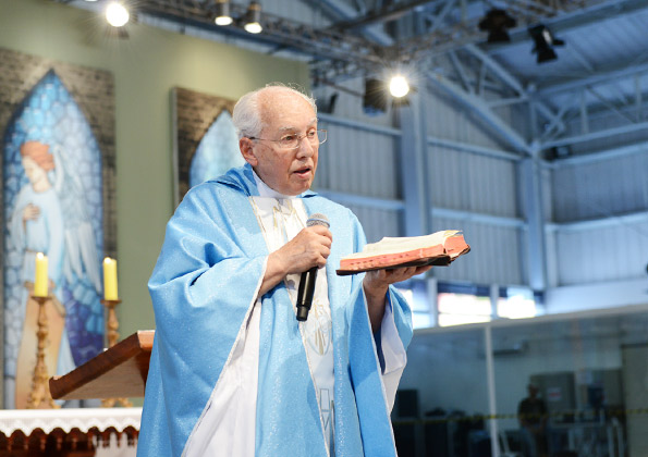 Padre Jonas faz alerta