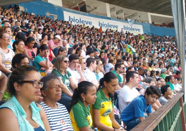 Fiéis participam da Santa Missa com Cardeal Dom Odilo. Fotos: Paulo Pereira/cancaonova.com