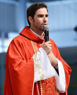 Missa com Padre Junior Periquito - 269x329