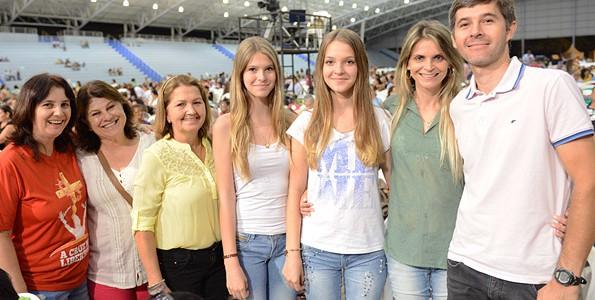 Casal Eckert e família - Foto: Daniel Mafra