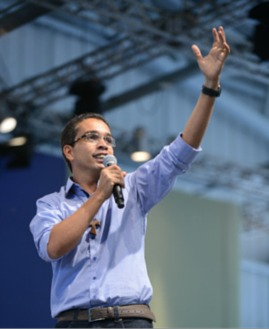 Alexandre Oliveira. Foto: Tiba Camargos/cancaonova.com