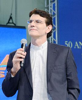 Padre Reginaldo Manzotti. Foto: Wesley Almeida/cancaonova.com