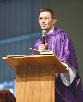 Padre João  Marcos - Foto: Daniel Mafra